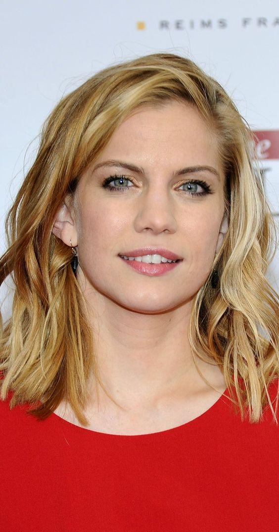 Pictures & Photos of Anna Chlumsky - IMDb