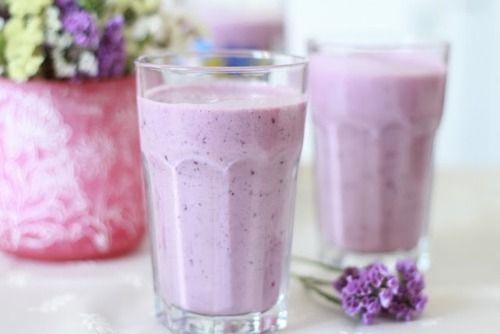 light blackberry smoothie