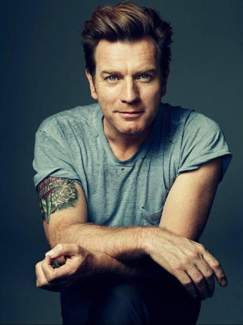 Ewan McGregor. EWAN MCGREGOR. caps for emphasis. ~Hello sir you should have played Javert. and besides, Obi Wan Kenobi hunting Wolverine sounds cooler than the Gladiator hunting Wolverine AND OH HEY HE CAN SING BETTER TOO