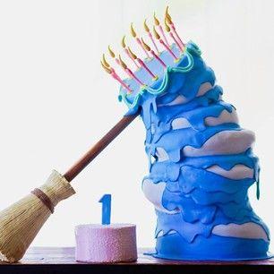 Y esta torta de La bella durmiente que es verdaderamente asombrosa, de verdad trae a la vida aquella escena de la preparación del cumpleaños. | 27 Golosinas de las Princesas de Disney que te sorprenderán