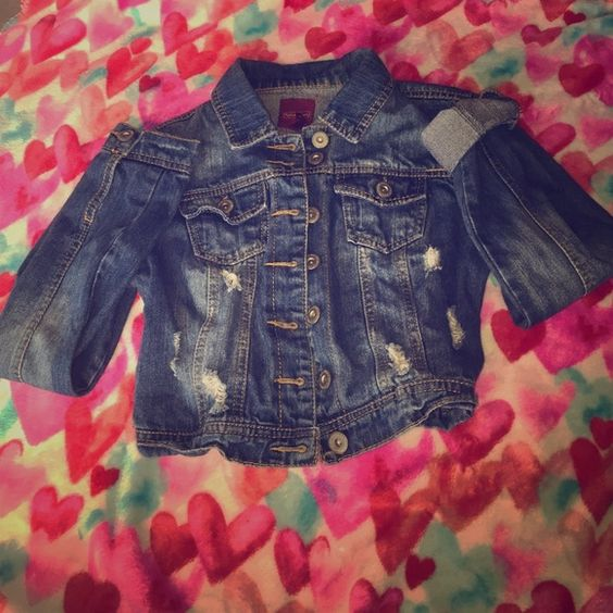 Denim / Jean jacket cropped Medium wash Jean / denim jacket cropped. It hits at the waist and looks great with dressed! You can roll up the sleeves or leave them down. Good condition and needs a new home :) Highway Jeans Jackets & Coats Jean Jackets