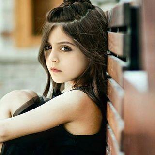 Pin By Shouqalghamdi On غادة السحيم Girl Long Hair Styles Hair Styles