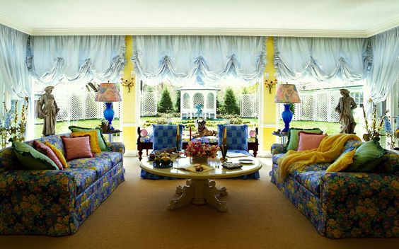 Living Room. Brighten Your Life With These Colorful Living Room Ideas post by Camelia Calabresi.