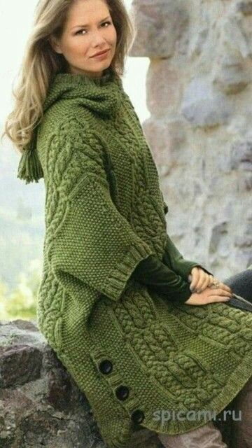 Oversized sweater poncho green cables buttons