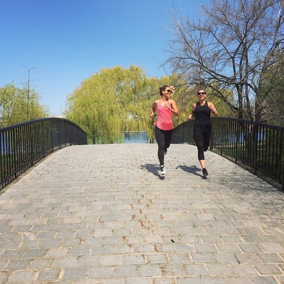 Running with this Boston Babe @sarahfit #TIUtour #100bysummer #BIKINISERIES