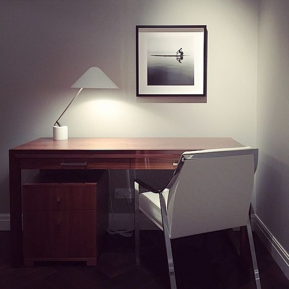 Final touch by Monica Denevan's b&w artwork Рабочие моменты #interiordesign #hollyhunt #monicadenevan #homeoffice