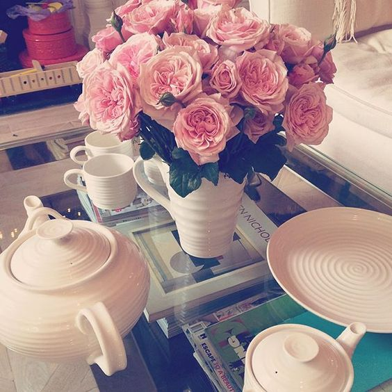Fresh flowers and tea at @sophieconran's lovely home yesterday morning