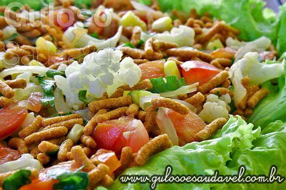 Não é só no café da manhã que comemos cereais integrais, podemos saboreá-los até no #almoço. Que tal fazer este saboroso Tabule de Cereal Integral hoje?  #Receita aqui: http://www.gulosoesaudavel.com.br/2013/07/02/tabule-cereal-integral/