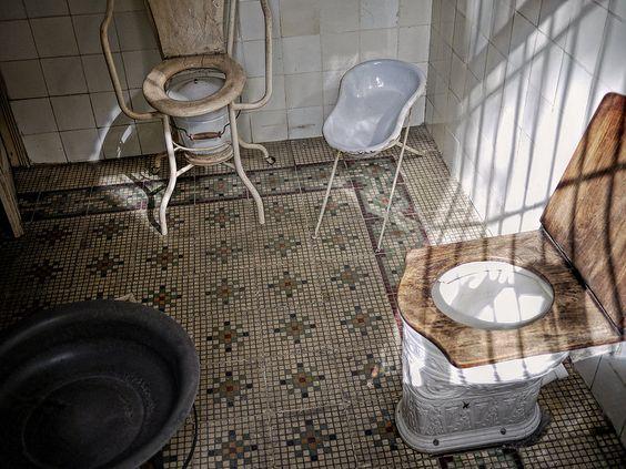 Banheiro Antigo - Casa de Benjamin constant - Museu - República - Santa Teresa - Rio de Janeiro - Brasil