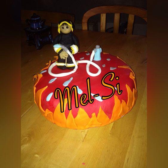 Geburtstagskuchen für mein Feuerwehr Fan :)