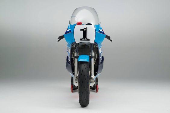 RocketGarage Cafe Racer: Suzuki XR69