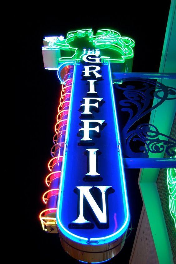 Topless club near casino aztar play slot machines for fun