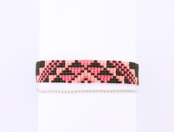 Bracelet tissé Miyuki noir, rose fluo et rose foncé fluo : Bracelet par…