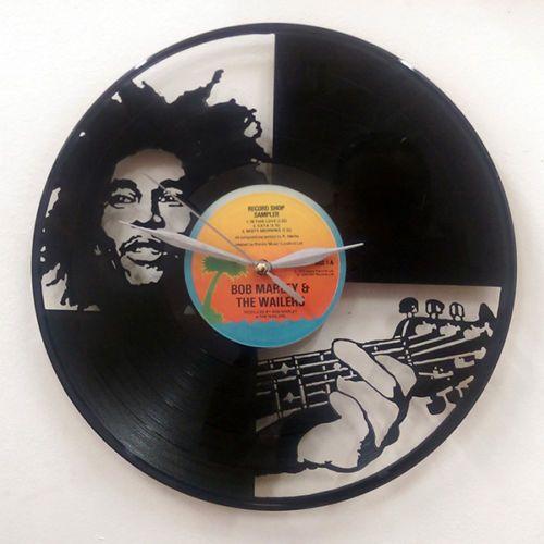 *Bob Marley* Crazy clock. More fantastic pictures and videos of *Bob Marley* on: https://de.pinterest.com/ReggaeHeart/