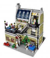 10243_front_callout_02 - Lego Parisian Cafe