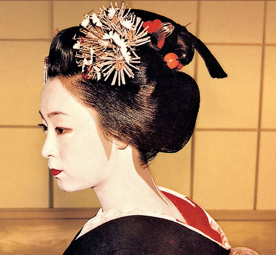 gelled hairstyles : ... geisha oiran 3 and more geishas hairstyles medium chang e 3 photos
