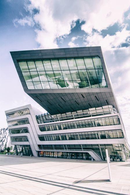 """""""WU Wien Bibliothek"""" dieses Bild stammt von Torsten Liebert aus der Kategorie Architektur https://contest.cewe-fotobuch.de/beautiful-world-2016?sref=om_seo_bing_x_16523_x"""