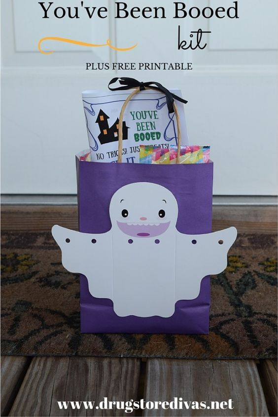 #ad You've Been Booed kit plus free printable. Make your own Boo Kit and surprise your neighbors! Get the printable at www.drugstoredivas.net.