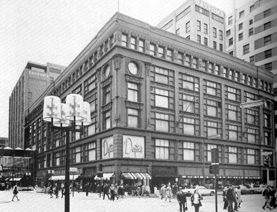 Old Daytons in Mpls.  Miss you, Daytons!  Such shopping and window displays.: