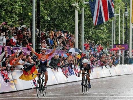 Lizzie Armitstead claims Team GB's first medal of London 2012 in the women's road race - Cycling - Olympics - The Independent