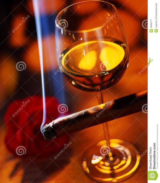 Vinho com charuto
