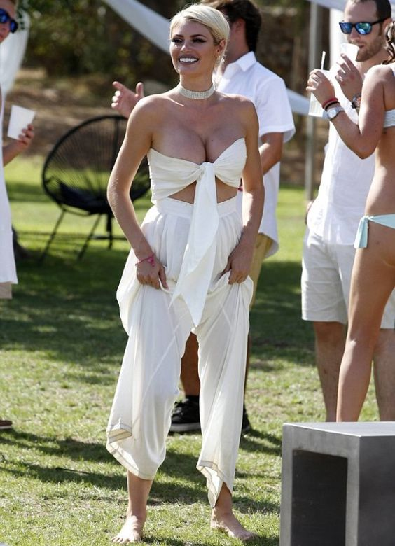 Here it is latest that TB star Chloe Sims hot and glamorous display in bandeau top was really impressive as she joins TOWIE co-star party. Chloe Sims is