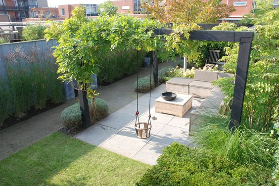 Marc de Graaf Tuinen - picture only - but nice idea for planning a narrow outdoor living area.