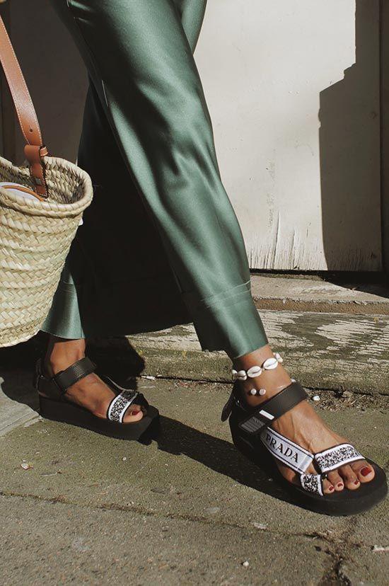 сандалии в спортивном стиле