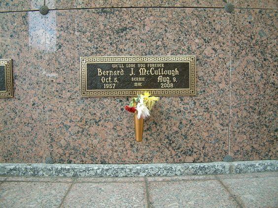 d84b7684d5fa02cc759631e24055adeb  bernie mac october  - Gardens Of Memory Cemetery Mcminnville Tn