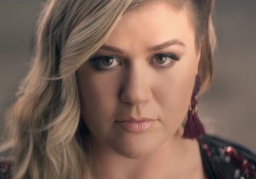 kelly-clarkson-invincible-music-video