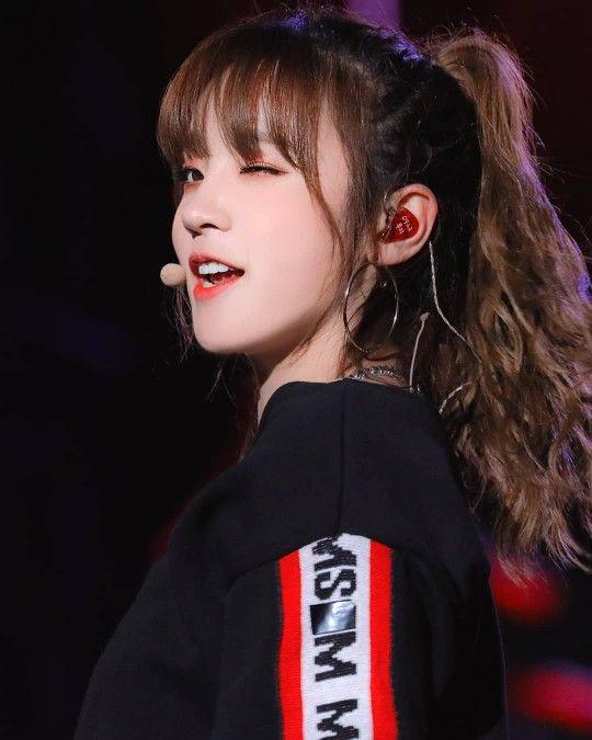 191019 G Idle Yuqi At Busan One Asia Live Festival Kpop Girls Kpop Girl Groups Korean Beauty