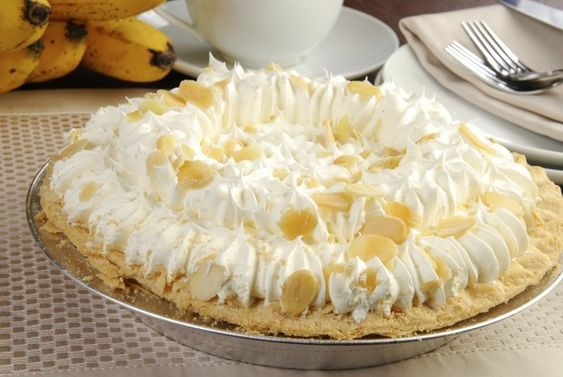 Ready for spring? Thiscreamy, luscious dessert is sure to beat those cold weather blues. This Banana Cream Pie, made with a delicious, crumbly gluten-free crust, is filled with sweet, creamy banana and topped with homemade whipped cream. There's no need to wait for a special occasion to enjoy this delightful dessert! Gluten-Free Banana Cream Pie Ingredients ½ package gluten free pie crust mix,