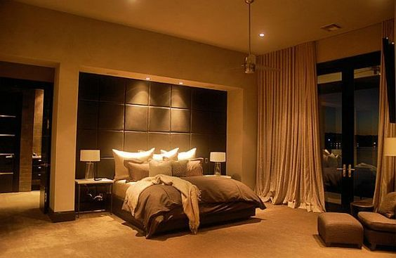 Luxurious Five Star Master Bedroom Creation: Breathtaking Master Bedroom Design With Beautiful Lighting
