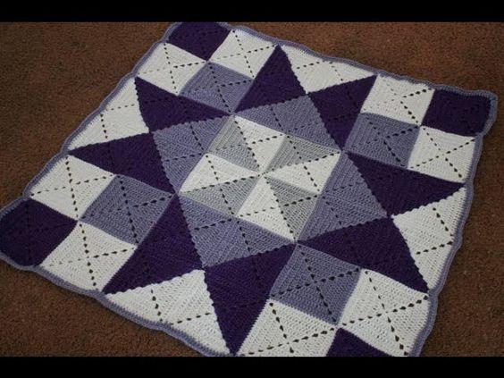 Örgü battaniye örneklerinde sıkça kullanılan bir teknik. Bu teknik ile örgü kırkyama battaniye yapımı yapabilirsiniz. Örgü yatak örtüsü olarak yapabilirsin