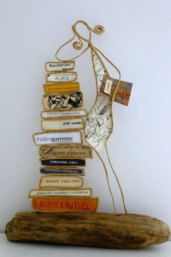 La bibliothécaire - figurine en ficelle et papier