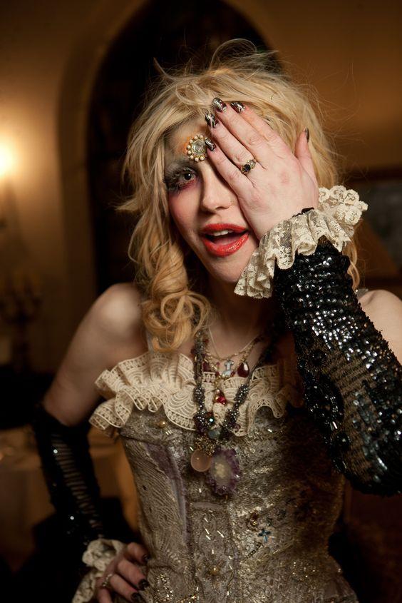 ... : Courtney Love na Pintereście | Kurt Cobain, Nirvana i Brody Dalle