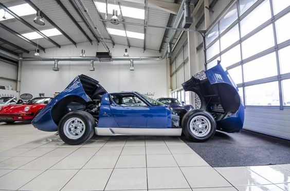Used 1971 LAMBORGHINI Miura P400 S for sale in Lancashire from Amari Super Cars GB.