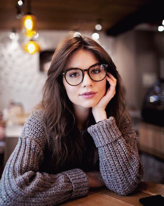 Las gafas de pasta son el accesorio hipster por excelencia.