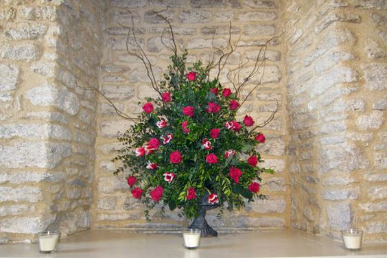 Large Arrangements Gallery - Designs by Cotswold Blooms    Gorgeous!