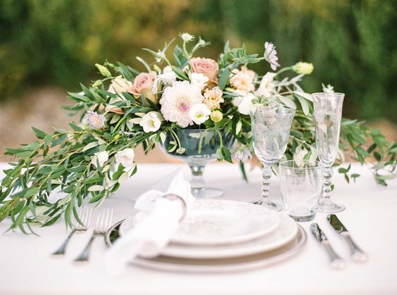 10 Brauttypen und ihre Tablesettings DORELIES HOFER http://www.hochzeitswahn.de/inspirationsideen/10-brauttypen-und-ihre-tablesettings/ #decor #table #flowers