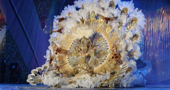 Resultados de la Búsqueda de imágenes de Google de http://www.munmami.com/wp-content/uploads/naomi_cabrera_reina_2011.jpg