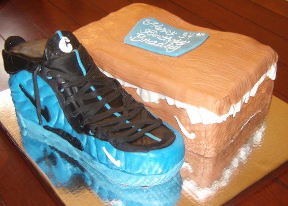 ... foamposite nike shoe box cake like the fan page http www ...