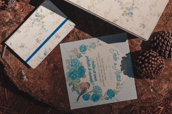 La Conviteria - Caixa Convite Madrinha e Padrinho #wedding #casamento #gif #love #papelaria #exclusividade #amor #madrinha #padrinho #pajen #daminha #cartonagem #caixa #lembrancinha #personalizados #gif #convite #moleskine