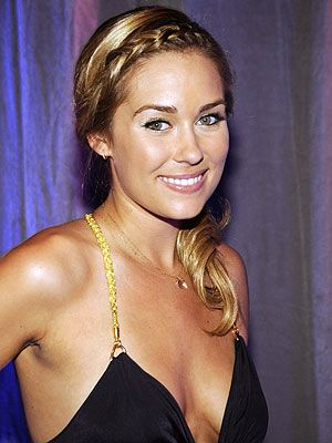 Lauren Conrad has her hair in a nice tight French braid, really opening up her face, and emphasizing her eyes!