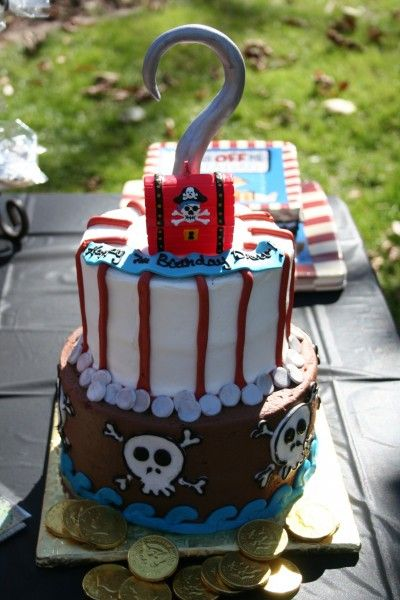 Ahoy!  An awesome pirate party: