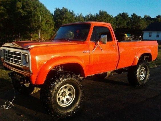 A thing of beauty and a joy forever, an old square body Dodge in Hemi Orange. Mud truck, no less. Gimme!