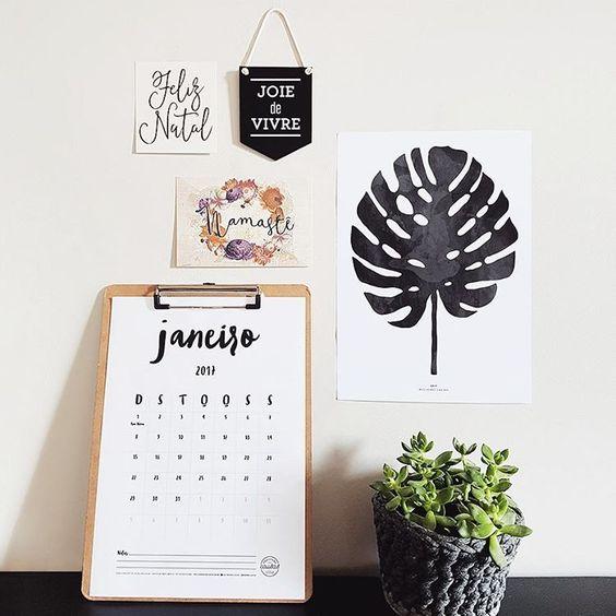 Que tal começar 2017 se organizando e planejando seu ano? Pra te ajudar, disponibilizei no blog mais de 20 calendários incríveis pra baixar e imprimir!: