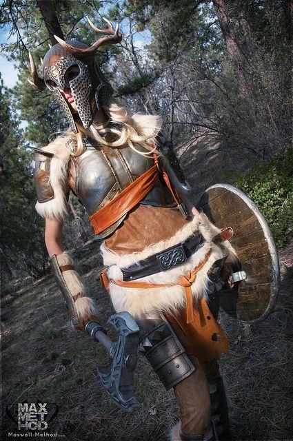 I'd just like to say how nice it is to see a cosplay girl that isn't in bikini-armour. Great stuff.