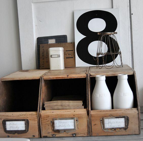 brocante casier en bois bac bec brocante pinterest brocante. Black Bedroom Furniture Sets. Home Design Ideas