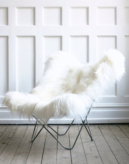 cozy fur butterfly chair goodies for the home pinterest st hle pelz und schmetterlinge. Black Bedroom Furniture Sets. Home Design Ideas